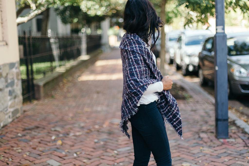2 Easy Ways To Wear A Blanket Scarf